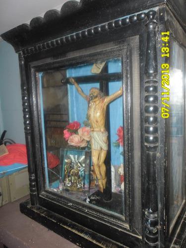 Cristo Madera Policromado Antiguo Años 1850 Con Mueble