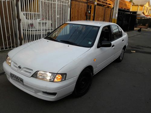 Nissan Primera 1999 Foto 9