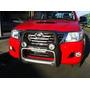 Defensa Con Neblineros Toyota Hilux Nuevos Embalados