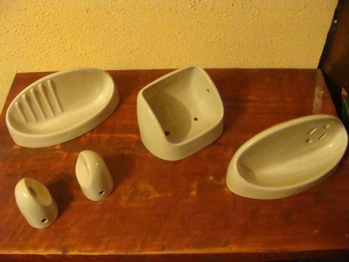 Juego De Baño Antiguo:Antiguo Juego Para Baños Ceramica Color Te Con Leche – $ 25000 en