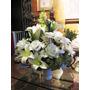 Arreglo Floral Flores Blancas Con Florero