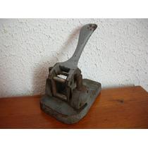 Antigua Perforadora Alemana De Coleccion Hecha En Fierro