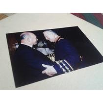 Fotografía Augusto Pinochet Saluda A General
