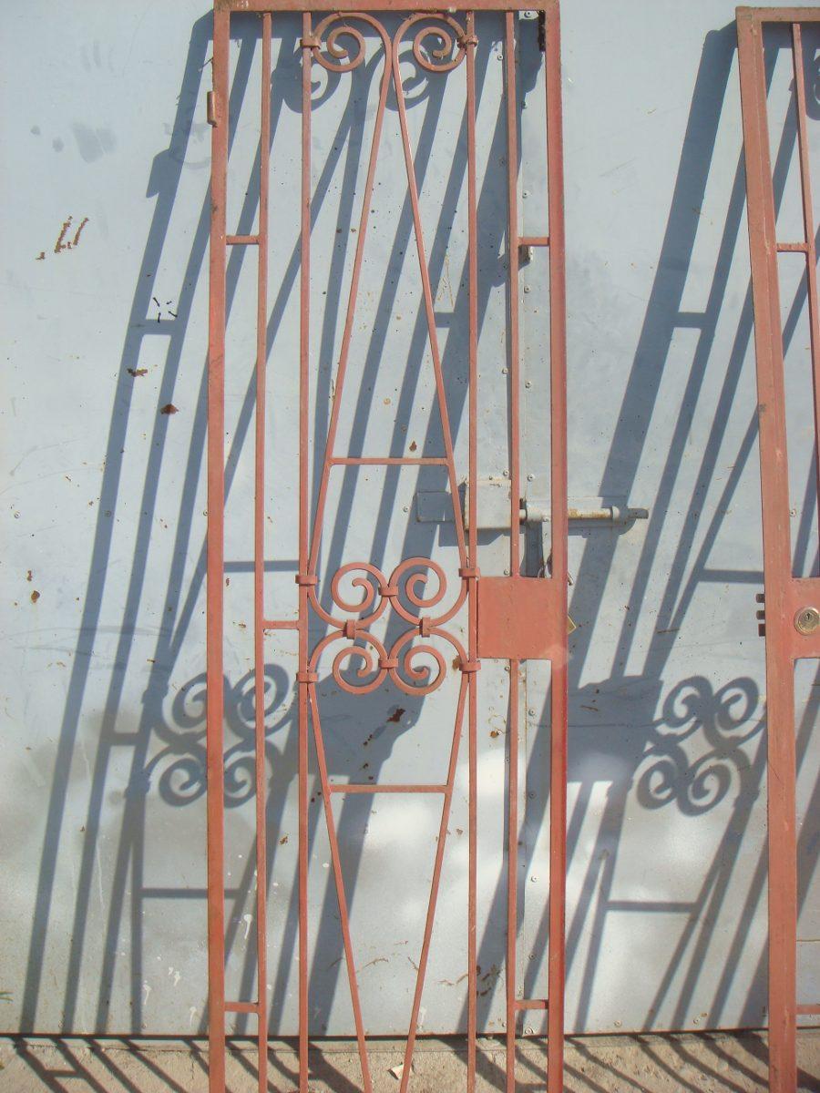 Pin foto reja ajilbabcom portal on pinterest - Rejas para puertas ...